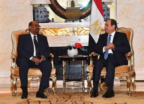 البشير يعزي السيسي هاتفيا في ضحايا حادث محطة مصر