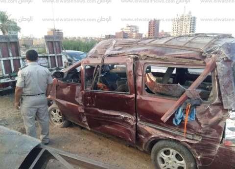 مصرع عامل وإصابة آخر في حادث تصادم سيارة ودراجة بخارية بالمنيا