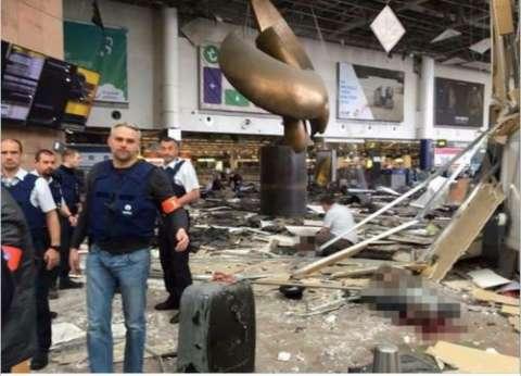 """التلفزيون البلجيكي: انتحاريا """"مطار بروكسل"""" شقيقان مرتبطان بصلاح عبدالسلام"""