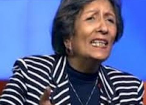 """كاميليا السادات تسير على درب والدها في """"الموت والسلام"""""""