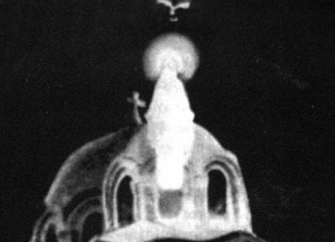 «قداسات وتسابيح» فى احتفالات الكنيسة بمرور 51 عاماً على «تجلى العذراء»