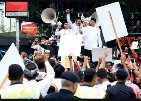 مظاهرات حاشدة في كوالالمبور تنديدا بقرار ترامب حول القدس