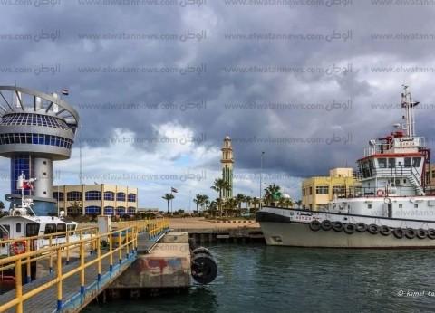 110976 طن قمح رصيد صومعة الحبوب والغلال بميناء دمياط