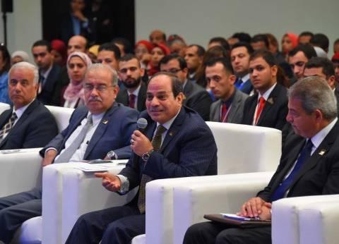 """السيسي لـ""""المصريين"""": انزلوا للانتخابات.. """"متجوش تقولوا كنا في الساحل"""""""