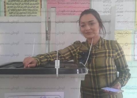 """راندا البحيري تدلي بصوتها في الانتخابات: """"تركت الأب الروحي وجيت أشارك"""""""