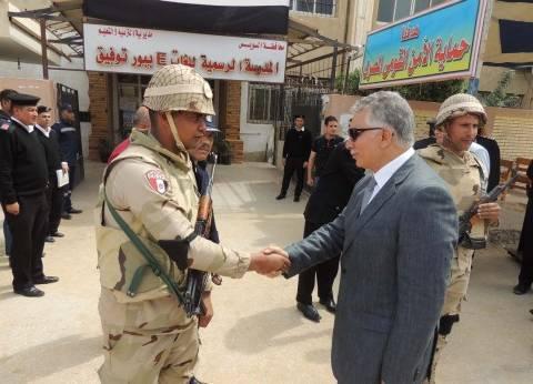 """مساعد وزير الداخلية يتفقد لجان الانتخابات بالسويس: """"أوصيكم بكبار السن"""""""