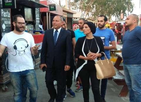 بالصور  نائب محافظ القاهرة يزور شارع مصر بالنزهة