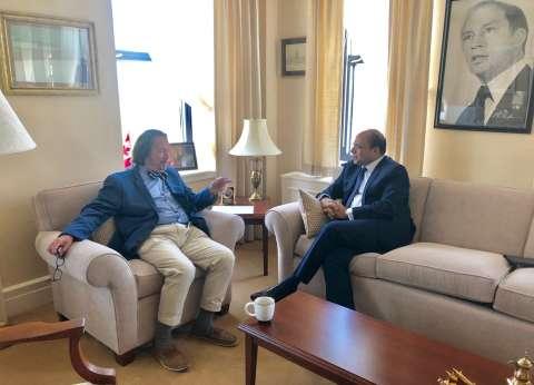 سفير مصر في أوتاوا يتابع زيارة وفد مجلس الشيوخ الكندي إلى مصر