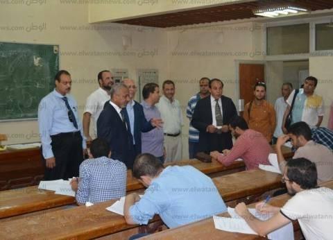 نائب رئيس جامعة الأزهر يتفقد امتحانات كلية طب الأسنان بأسيوط