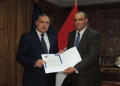 مدير أمن سوهاج يكرم الضباط والأفراد المدنيين المتميزين