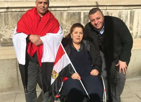 """""""سهير"""" تتحدى إعاقتها والبرد القارص بالسويد: """"مانمتش الليل عشان أنتخب"""""""