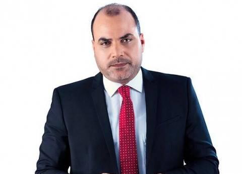 """محمد الباز: المصريون سيدخلون """"نيوم"""" دون جواز سفر"""