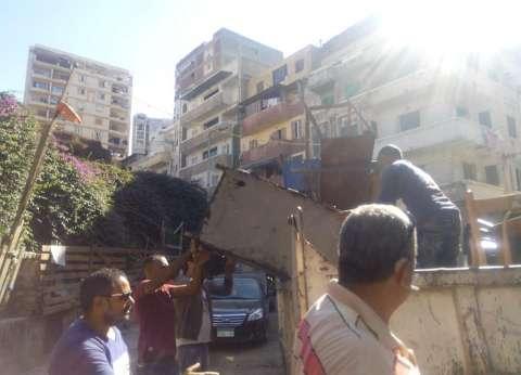 """حملة إزالة تعديات بمنطقة """"محرم بك"""" وسط الإسكندرية"""