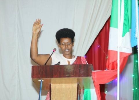 """شاركت في """"أجندة إفريقيا 2063"""".. تعرف على وزيرة الشباب البوروندية"""