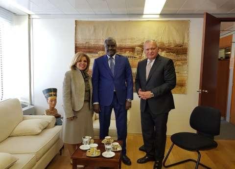 رئيس مفوضية الاتحاد الإفريقي يصل باريس لدعم «مشيرة خطاب»