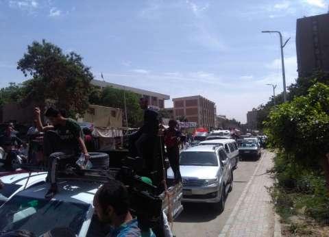 سيارات تجوب المعادي ودار السلام لحشد المواطنين باليوم الثاني