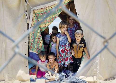 وزير خارجية بريطانيا يزور مخيما للاجئين السوريين في تركيا