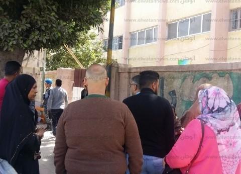 """إقبال كثيف من المواطنين على لجان """"عبدالقادر الابتدائية"""" في الإسكندرية"""