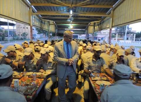 مدير أمن المنيا يشدد على القوات باليقظة في وقت الإفطار