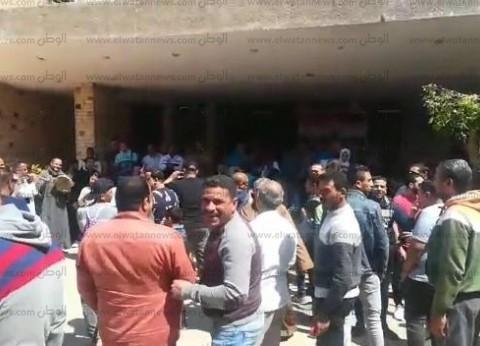 أهالي المرماح ببني سويف يستقبلون الناخبين بالمزمار والطبل البلدي
