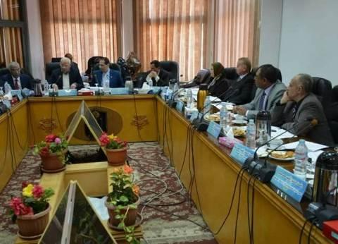 مجلس جامعة بورسعيد يمنح الدكتوراه لـ7 باحثين والماجستير لـ19