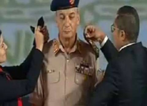 خبير مراسم عن ترقية وزير الدفاع: من حق السيسي كسر القواعد