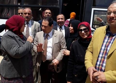 بالصور| رئيس جامعة بورسعيد يتابع مشاركة الكليات في الاستفتاء