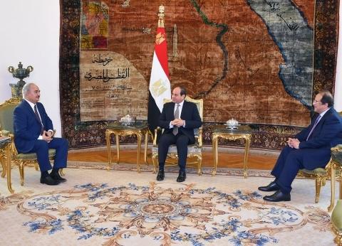 """السيسي لـ""""حفتر"""": ندعم جهود ليبيا في مواجهة الإرهاب والجماعات المتطرفة"""