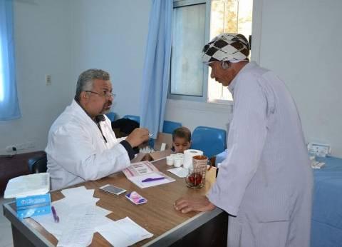 1285 مريضا يخضعون للكشف الطبي في قافلة جامعة الزقازيق بالسويس