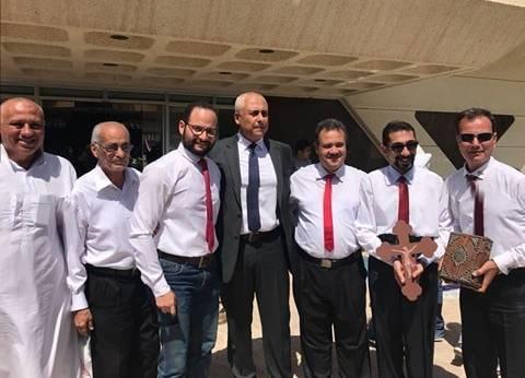 بالمصاحف والصليب والعلم.. حكاية 4 مصريين قطعوا 1100 كم للتصويت بعمان