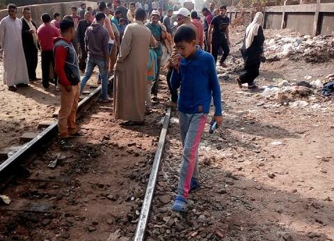 مصرع مزارع صدمه قطار ركاب أثناء عبوره المزلقان في قنا