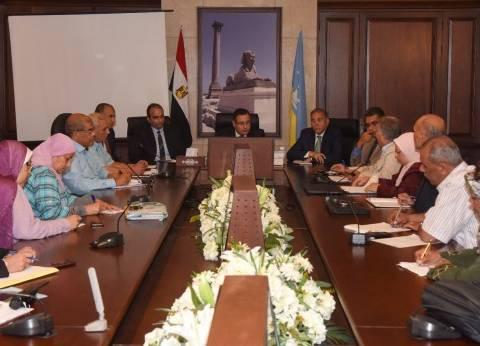 محافظ الإسكندرية يناقش مشروع تنفيذ مرافق لـ 48 عمارة بالكيلو 38.5