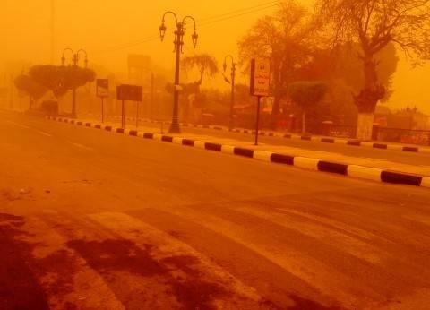 تحذير لقائدي السيارات.. 7 طرق مُغلقة بسبب العاصفة الترابية