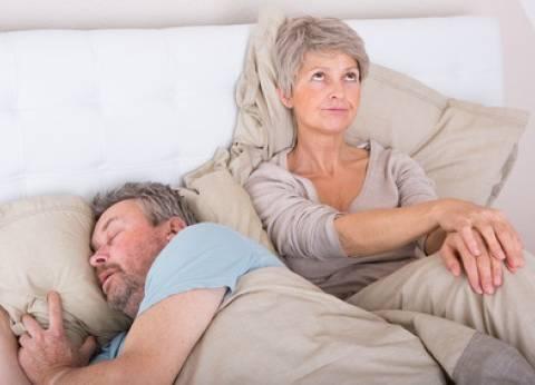 5 مفاتيح لاحتواء زوجك أثناء أزمة منتصف العمر