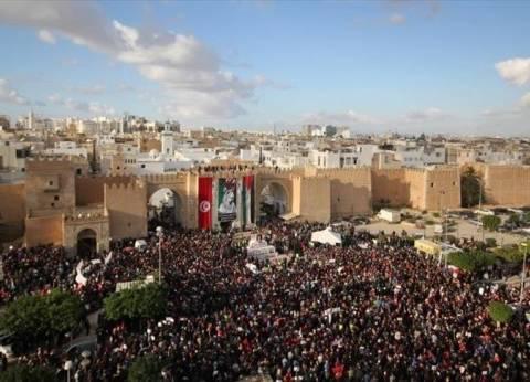"""""""سياسي تونسي"""" يحمل الحكومة الحالية مسؤولية الاحتجاجات الشعبية"""