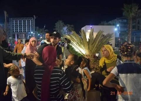 """إقبال كثيف من المصيفين على شارعي """"شيري والنصر"""" بالغردقة في العيد"""