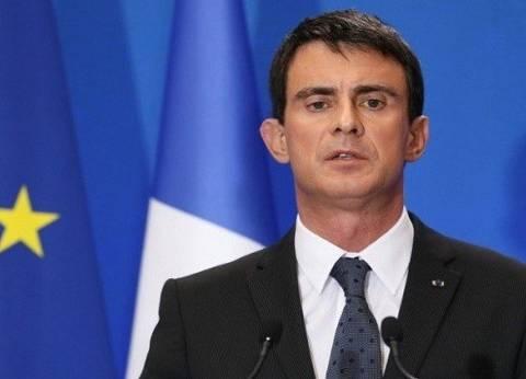 """فالس: بعض منفذي """"هجمات باريس"""" استغلوا أزمة اللاجئين للتسلل إلى فرنسا"""