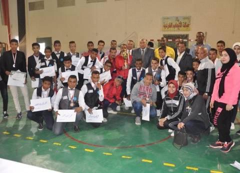 محافظ الوادى الجديد يكرم الفائزين على مستوى الجمهورية في المشروع القومي للناشئين