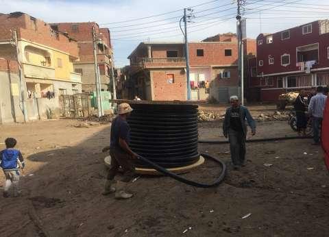رفع شبكات كهربائية تمثل خطورة على الأهالي بجمرك الإسكندرية