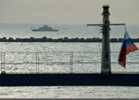 غرق سفينة شحن تركية على متنها 11 شخصا في البحر الأسود
