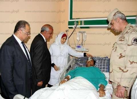 بالصور|رئيس جامعة طنطا والمستشار العسكري يطمئنان على مصابي انفجار طنطا