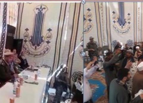 جلسة صلح بين عائلتين بعد مشاجرة بالأسلحة النارية في الخصوص