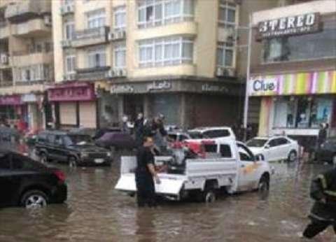 """""""أمن الدقهلية"""": ارتفاع منسوب مياه الأمطار لـ60 سم في منطقة المشاية بالمنصورة"""