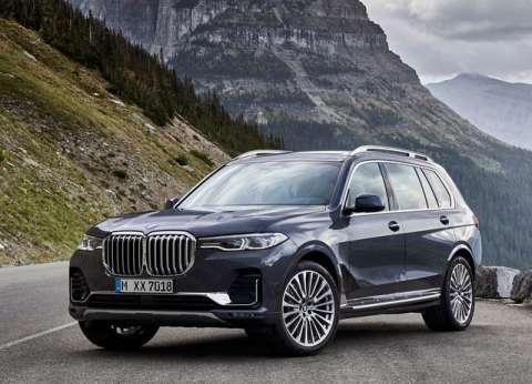 فيديو.. BMW توضح طريقة ضبط الصف الثاني من المقاعد بسيارة الـ X7