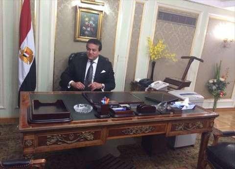 """وزير""""التعليم العالي"""" ينتقل لمستشفيات جامعة طنطا"""