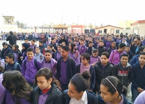 الطلاب يتوافدون على مدارس كفر الشيخ.. ومصدر: لا نعلم شيئا عن التابلت