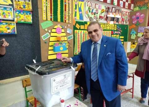 حسن راتب يدلي بصوته في الاستفتاء: سعيد بوطنية المصريين