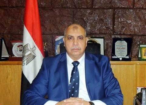 مدير أمن السويس يشهد بيانا عمليا لقوات الحماية المدنية