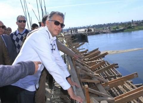 وزير النقل يتابع أعمال تنفيد محور كوبري طما العلوي على النيل في سوهاج