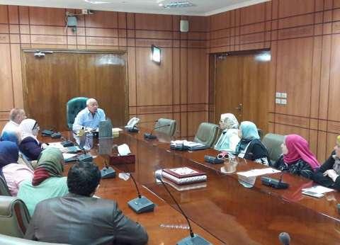 محافظ بورسعيد يكرم أوائل الشهادة الإعدادية